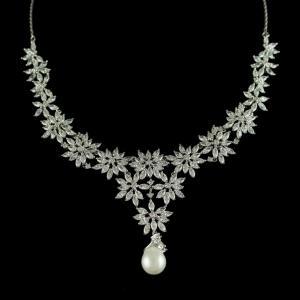 92.5 Sterling Silver Sworovski Stone Necklace
