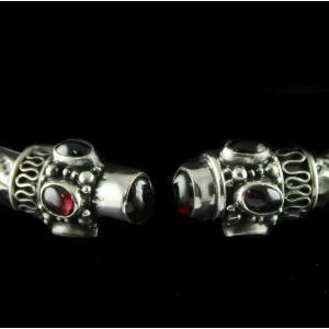 Silver Oxidized Fancy Bangle Studded Red Onyx