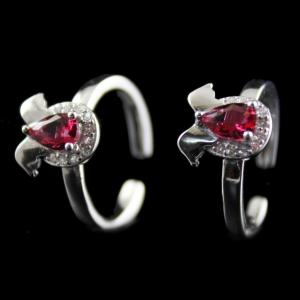 Silver Plated Fancy Design Red Onyx Toe Ring