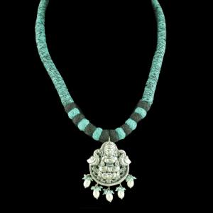 OXIDIZED LAKSHMI THREAD NECKLACE WITH PEARL AND APETITE BEADS