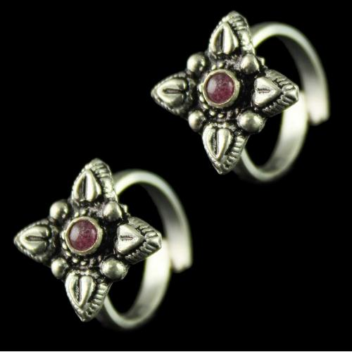 92.5 Silver Toe Rings Studded Green Stones