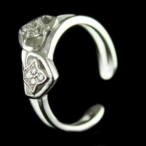 92.5 Sterling Silver Fancy Design Toe Ring Studded Zircon Stones
