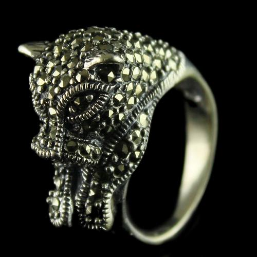 92.5 Sterling Silver oxsided Fancy Design Rings Studded Crystal Stones