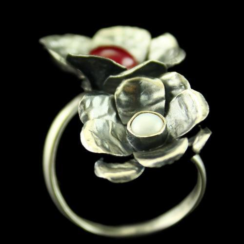Silver Oxidized Floral Design Ring Semi Precious Stones