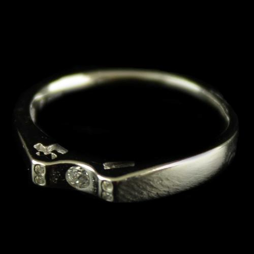 R1120 Sterling Silver Band Ring Studded Zircon Stone