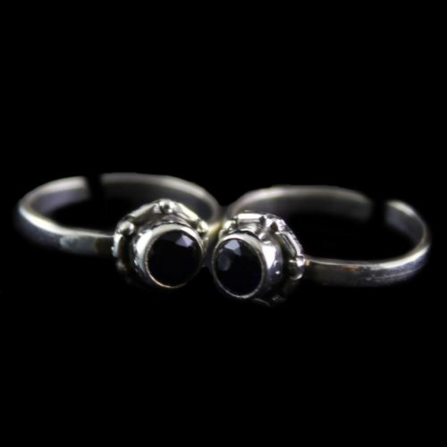 Silver Plated Fancy Design Green Onyx Stone Toe Rings
