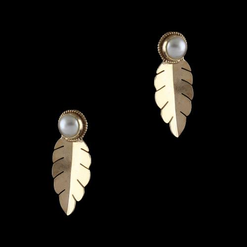 Gold Plated Earrings Studded Pearls