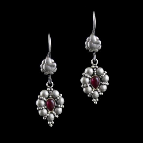 Silver Oxidized Hanging Earring Studded Red Onyx