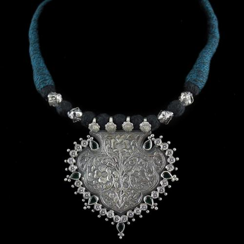 Oxidized Floral Thread Necklace