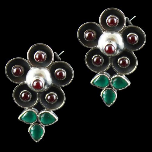 Oxidize Flower Earring With Red And Green Onyx