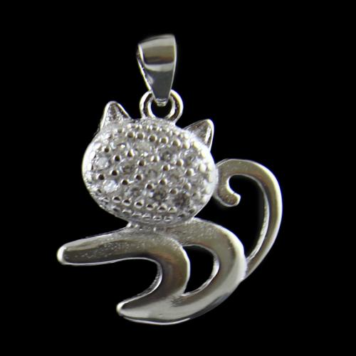 Cat Design Pendant Studded Zircon Stones