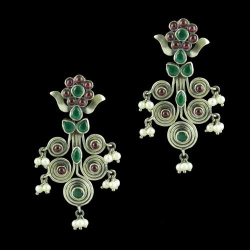 OXIDIZED SILVER DROPS EARRINGS STUDDED RED CORUNDUM AND GREEN HYDRO STONES WITH PEARL BEADS