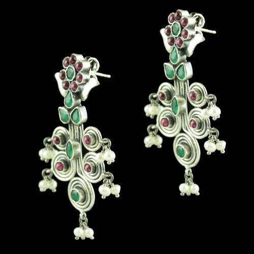 OXIDIZED SILVER DROPS EARRINGS STUDDED RED CORUNDUM AND GREEN HY