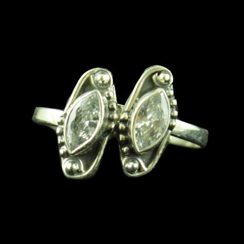 Silver Plated Fancy Desig Blue Onyx Stone Toe Rings