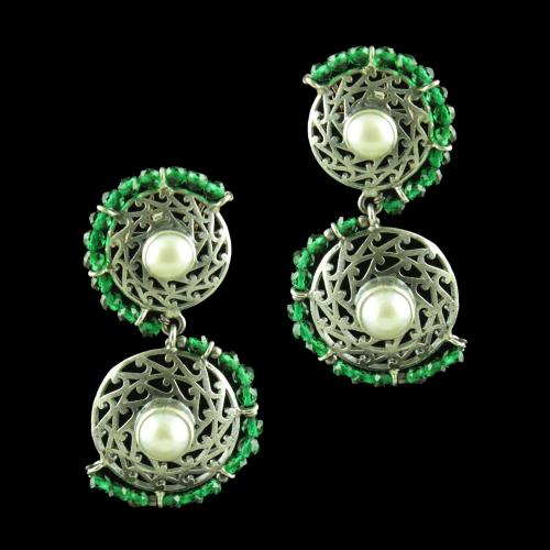 OXIDIZED SILVER EARRINGS WITH GREEN HYDRO AND PEARLS