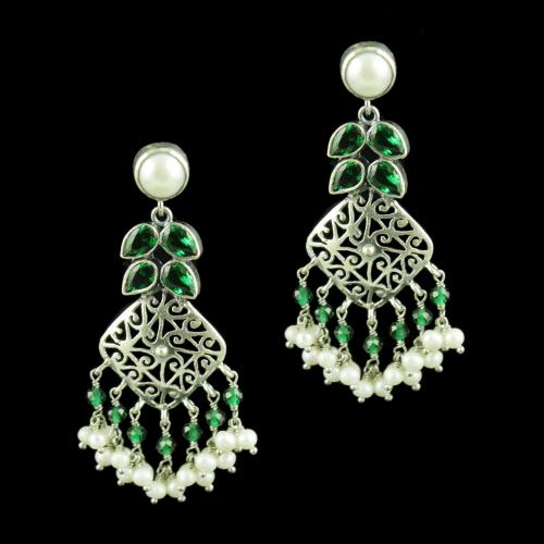 OXIDIZED SILVER EARRINGS WITH EMERALD AND PEARL BEADS