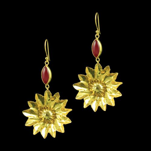 GOLD PLATED FLORAL EARRINGS WITH RUBY