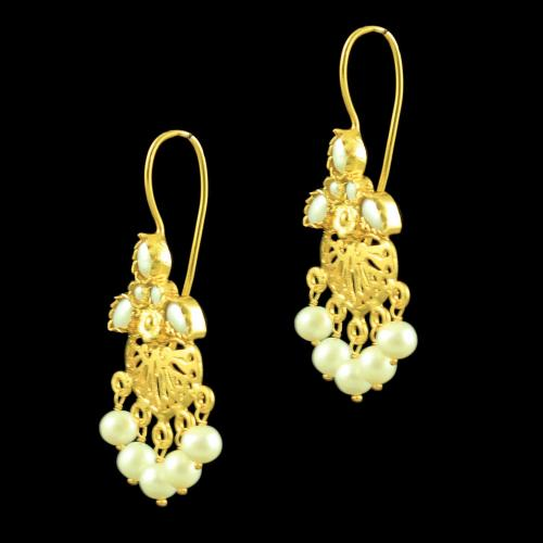 GOLD PLATED HANGING EARRINGS WITH PEARL BEADS