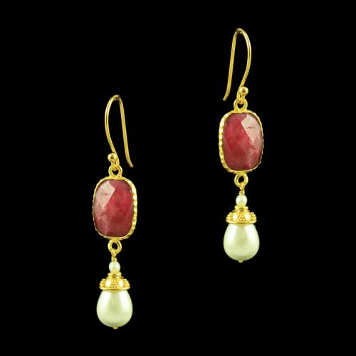 GOLD PLATED HANGING EARRINGS WITH ONYX AND PEARLS