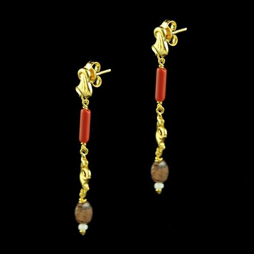 GOLD PLATED FLORAL EARRINGS WITH CORAL AND GARNET STONES
