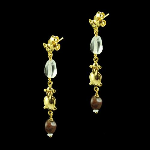 GOLD PLATED FLORAL EARRINGS WITH GARNET STONES