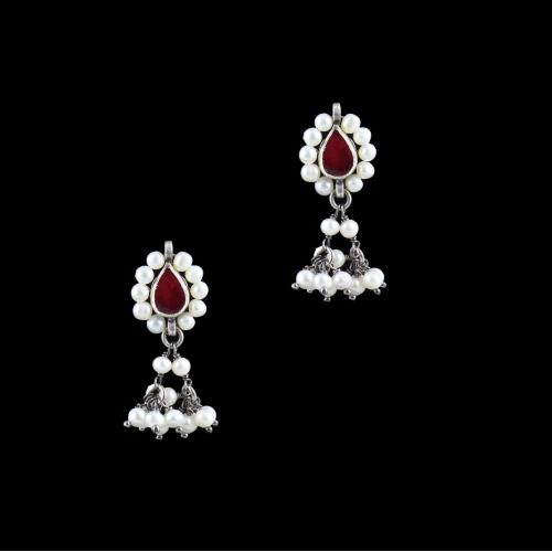 SILVER FANCY EARRINGS WITH KUNDAN AND PEARLS
