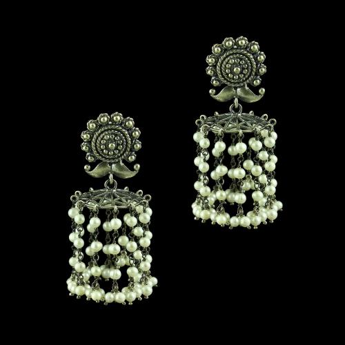 OXIDIZED FLORAL EARRINGS WITH GREEN ONYX AND PEARLS