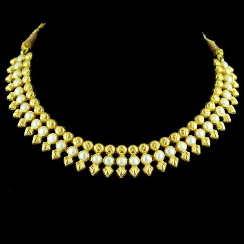 GOLD PLATED FLORAL DESIGN THREAD NECKLACE WITH PEARLS