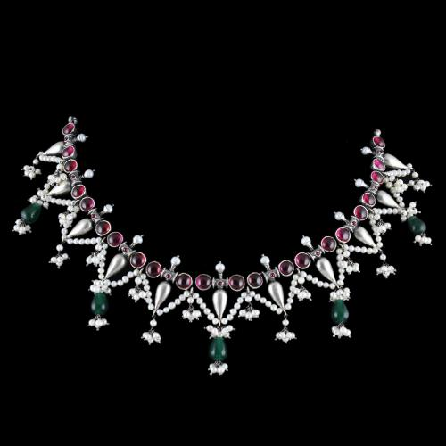 OXIDIZED SILVER THREAD NECKLACE WITH RED AND GREEN ONYX WITH PEARLS