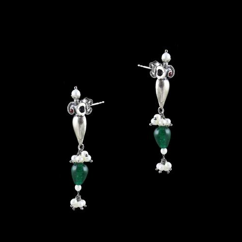 OXIDIZED SILVER RED ONYX EARRINGS WITH GREEN HYDRO AND PEARL STONES