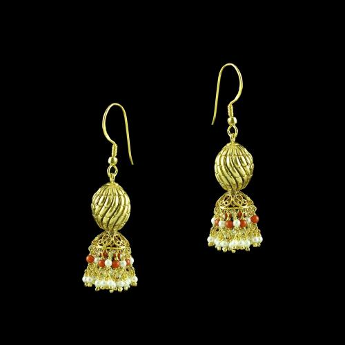 GOLD PLATED HANGING EARRINGS WITH CORAL AND PEARLS
