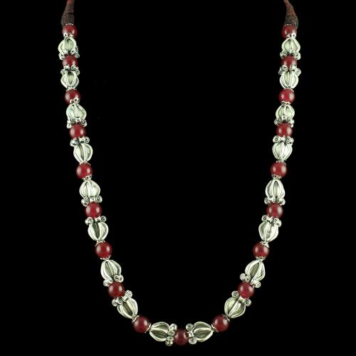 OXIDIZED SILVER THREAD NECKLACE WITH RED ONYX STONES