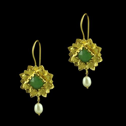 GOLD PLATED FLORAL HANGING EARRINGS WITH ONYX AND PEARL