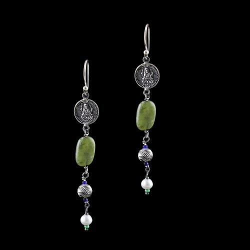 OXIDIZED SILVER LAKSHMI EARRINGS WITH AGATE AND PEARL