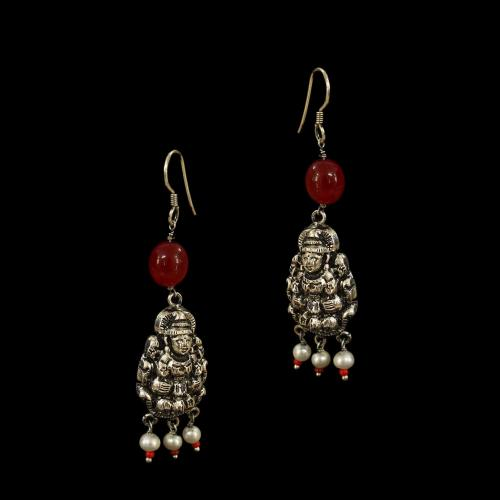OXIDIZED SILVER LAKSHMI EARRINGS WITH RED OYNX AND PEARLS