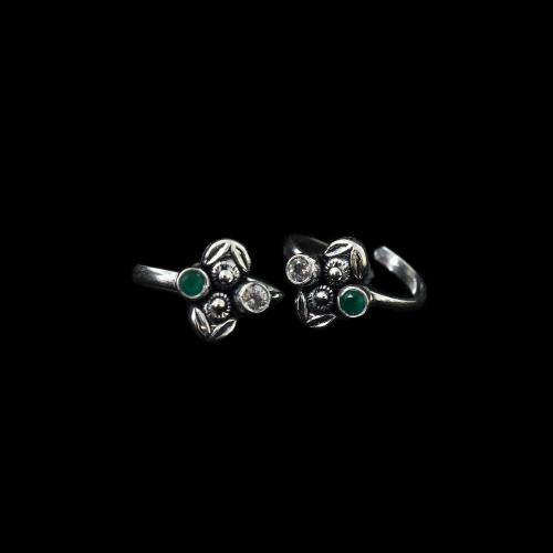 OXIDIZED SILVER CZ AND GREEN HYDRO TOE RINGS