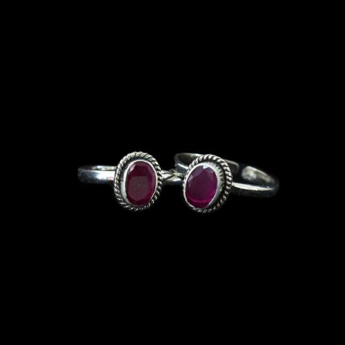 OXIDIZED SILVER RUBY STONE TEO RINGS