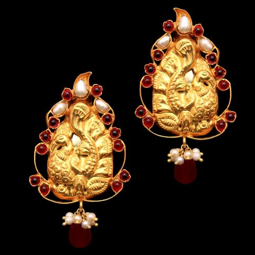 GOLD PLATED PEACOCK RED ONYX AND PEARL BEADS DROPS EARRINGS