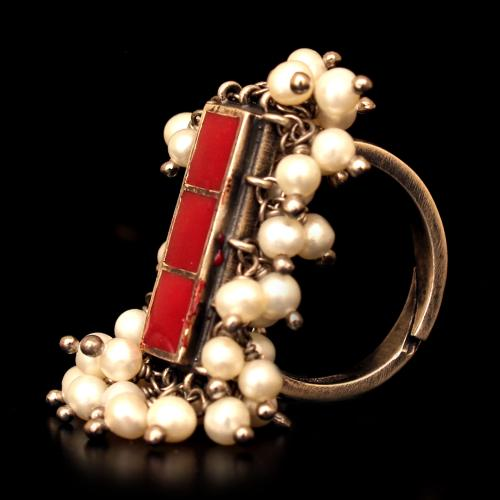 OXIDIZED SILVER ENAMEL RING WITH PEARL BEADS