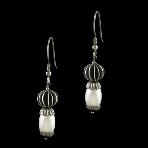 OXIDIZED SILVER PEAL EARRINGS