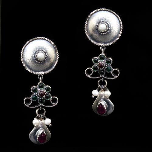 OXIDIZED SILVER RED AND GREEN CORUNDUM WITH PEARL BEADS EARRINGS