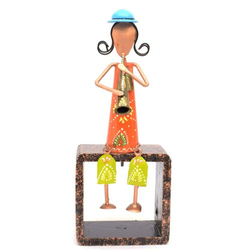 IRON PAINTED MISICIAN ON WOODEN STAND WALL HANGING