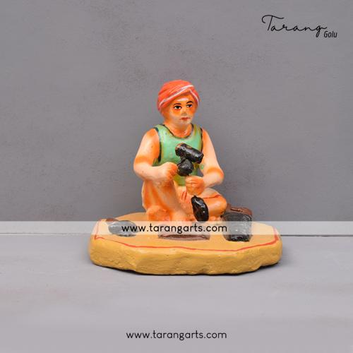 MEN CARPENTER HANDMADE DUSSERA GOLU DOLL BOMMALU TARANG HANDICRAFTS