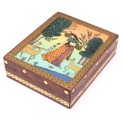WOODEN LADY GEMSTONE BOX
