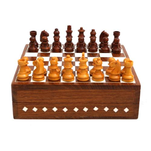 WOODEN CHESS BOARD AND MEN WITH INLAY WORK