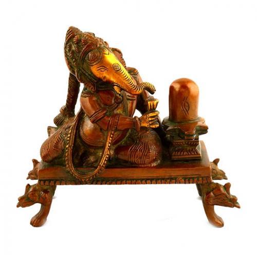 GANEHSA SITTING WITH SHIVLINGA